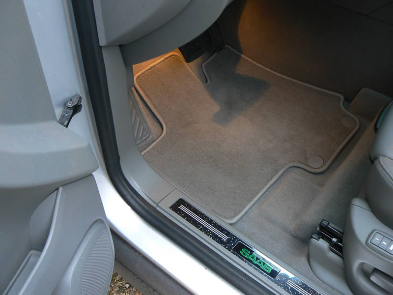Name:  Saab 9-4X floor mats 3.jpg