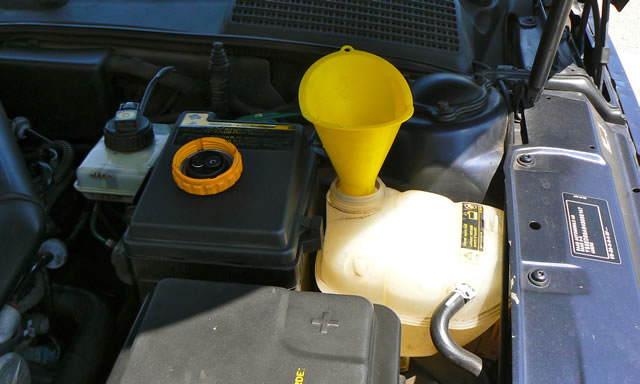Name:  Saab 9-5 expansion tank.jpg