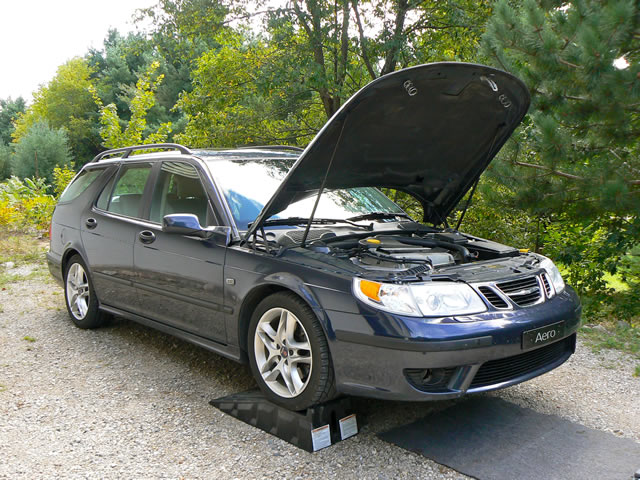 Name:  03_Saab_9-5_oil_change.jpg