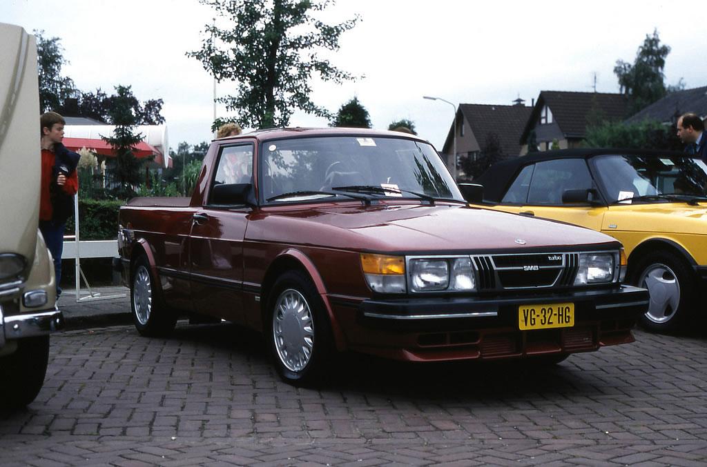 1982 Saab 900 Pickup front