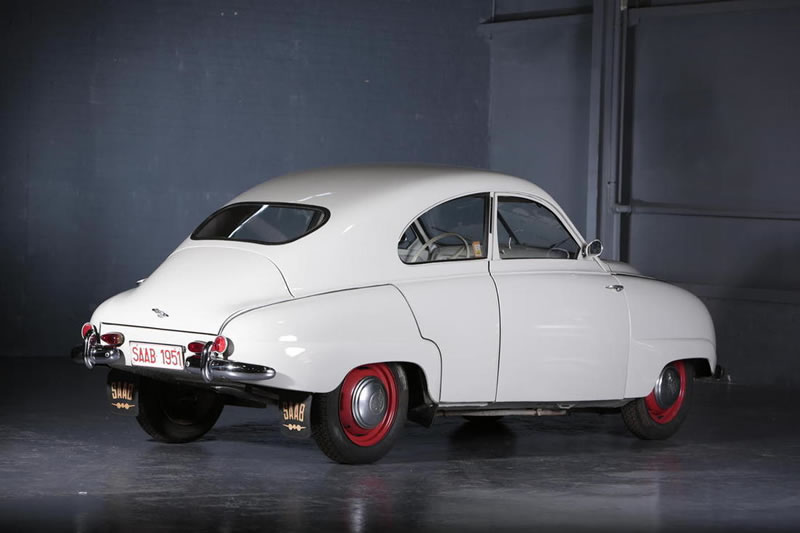 1953 SAAB 92 B DE LUXE BERLINE exterior rear side white