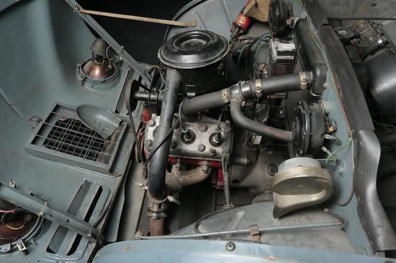 1957 Saab 93 berline engine