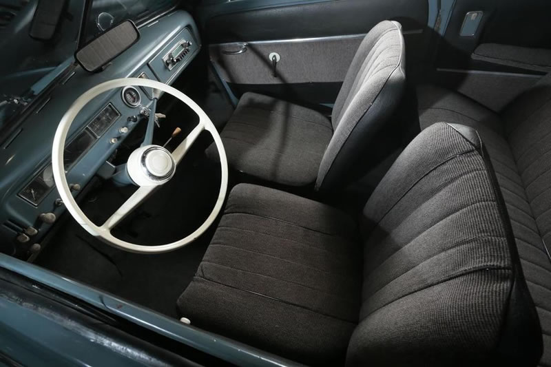 1957 Saab 93 berline interior