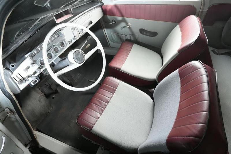 1961 Saab 95 break interior