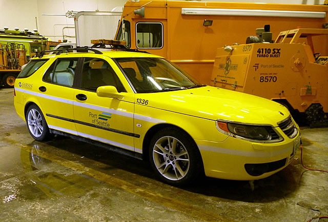 2006_saab_9-5_sportcombi_friction_tester_seattle_-_front